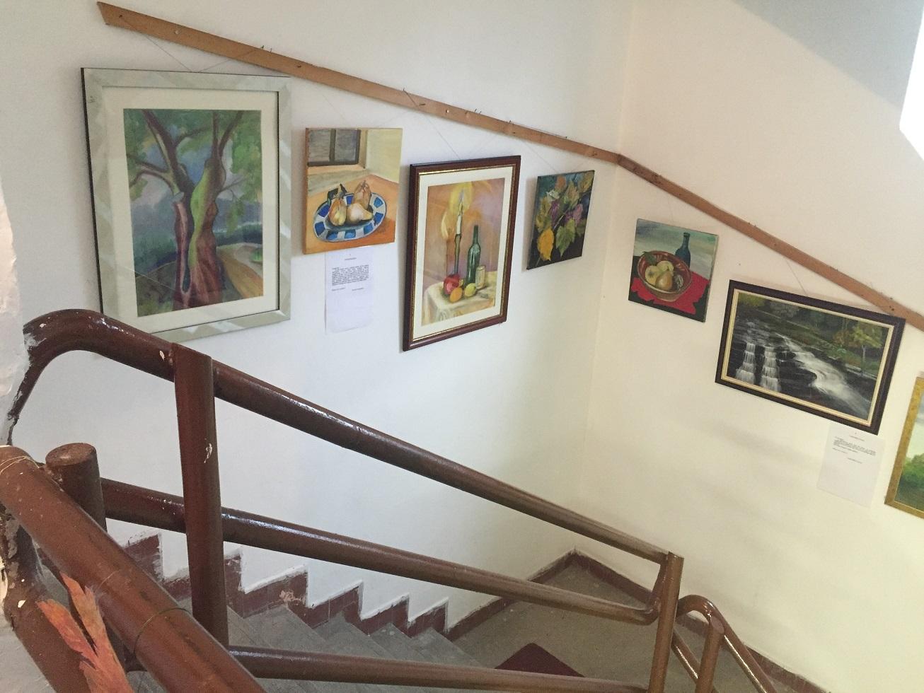 Lépcső a tornaterembe
